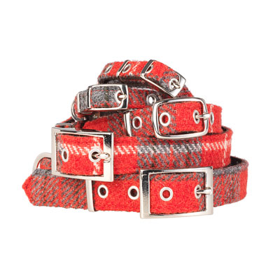 The metal buckles and eyelets are genuine saddlery fittings, so our Hoxton Tartan Harris Tweed Dog Collar feels substantial and well-made as you'd expect from a hand-finished couture product.